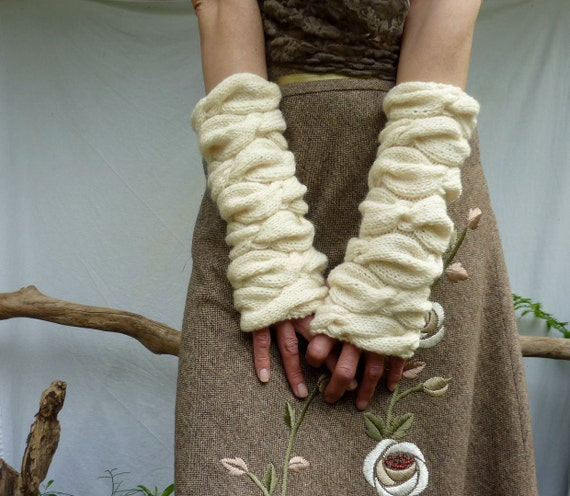 Sweetheart Warmers, hand knitted sleeves, arm warmers, wrist warmers, gauntlets in pure merino wool, cream
