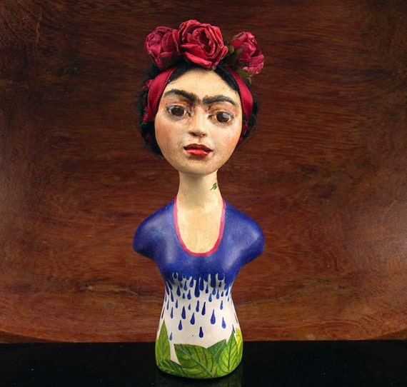 frida kahlo hsc essay Frida kahlo was a mexican painter who was particularly known for her self-portraits she was born magdalena carmen frieda kahlo y calderon in cayoacon, mexico on july.