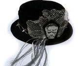 Plush Mini Top Hat with Spike Band and Metal Skull and Wire Veil