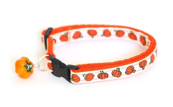 Cat Collar - Pumpkins on Creme  - Large Cat Collar