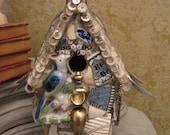 THE BLUEBIRD BISTRO Mosaic Birdhouse in Blues Mosaic Art