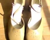 Light Brown Platform Shoes 70s Square Heels Size 8.5US
