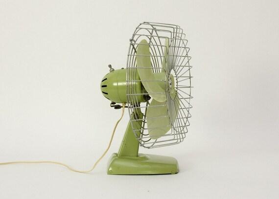 Mid Century Knapp-Monarch Green Oscillating Fan