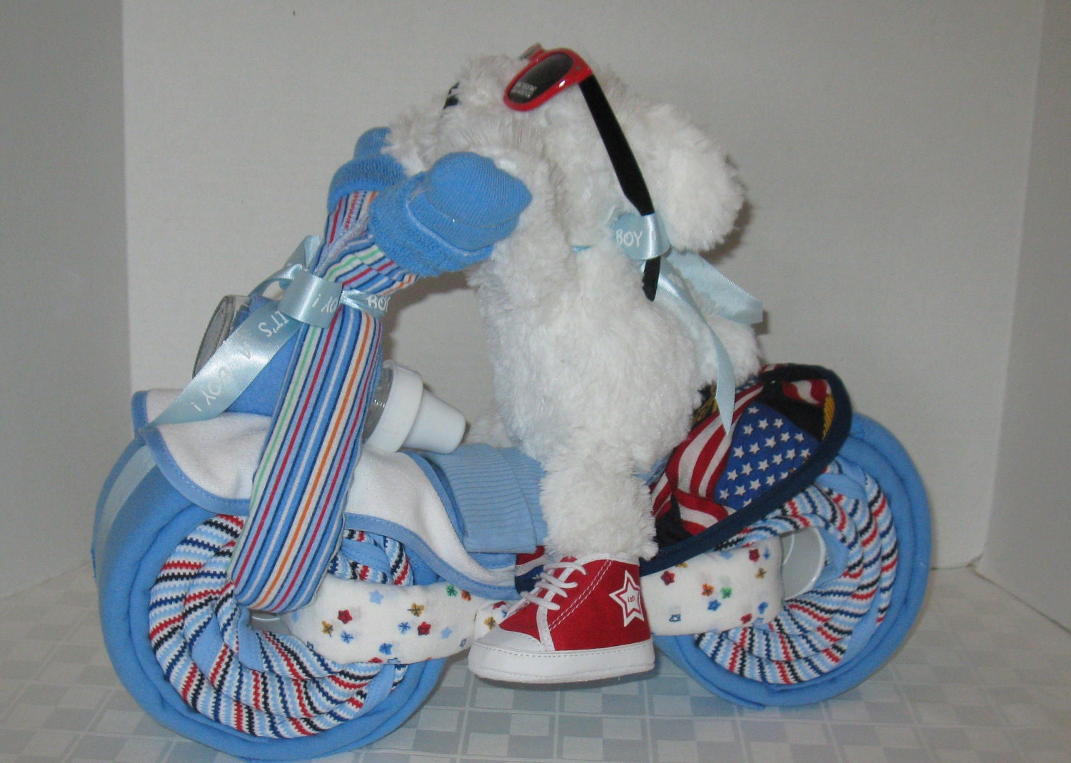 Baby Shower Gift Ideas Boy : Motorcycle bike diaper cake baby shower gift centerpiece