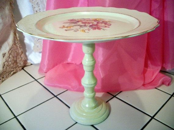 Pedestal cake plate - vintage china