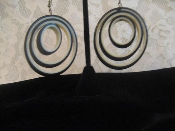 Cool Black & Off White Summer Earrings Pierced