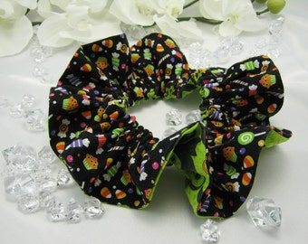 Halloween - Dog Ruffle Collar - Large - Black Cats & Candy