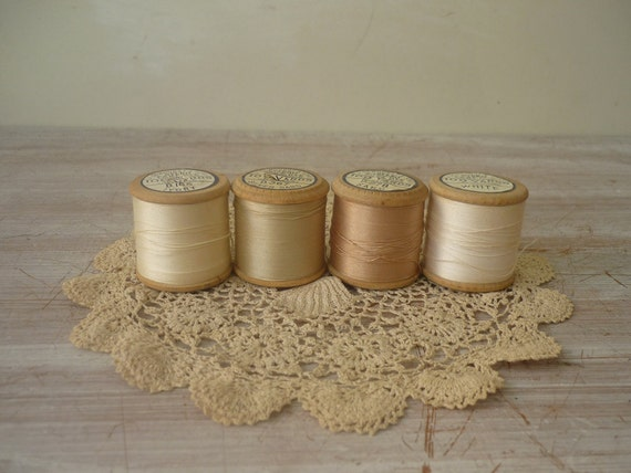 RESERVED for Sirpa 4/7 - 4 Wooden Spools - Wedding Collection