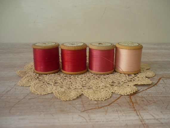 RESERVED for Sirpa 2/7 - 4 Wooden Spools - Romantic Collection