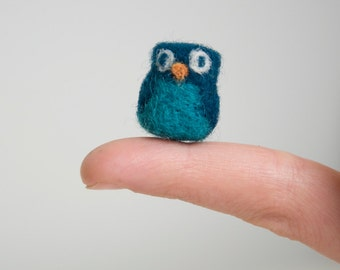 Miniature Needle Felted Pocket Owl in Teal