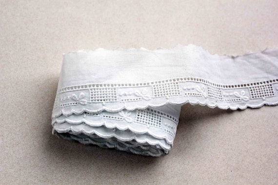 """French embroidery lace - white """"broderie anglaise"""" - never been used - scalloped border lace edging"""