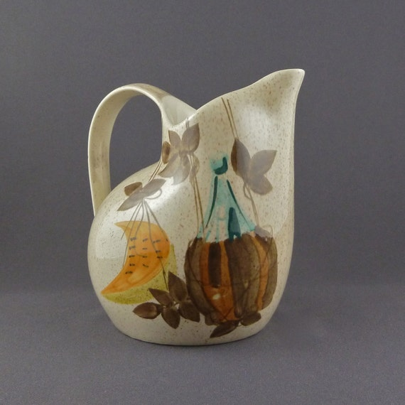 Red Wing Charles Murphy pitcher in the Tampico pattern