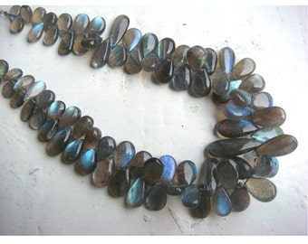 Labradorite - Labradorite Pear Shaped Plain Briolettes - 13x9mm To 8x6mm - Half Strand 3 Inches - 19 Pieces Approx