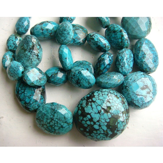 Turquoise Beads/ Turquoise Faceted Beads/ Oval Beads/ Nugget Beads - 30mm To 13mm - 20 Inch Strand - 31 Pieces