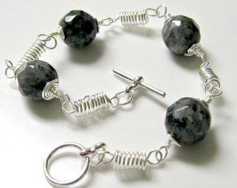 LarvikIte Spring link Bracelet- Gemstone, Wire wrapped, Silver