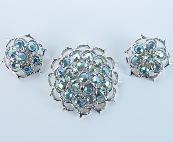 Lime Green Rinestone Sarah Coventry Brooch/Necklace and Earring Set
