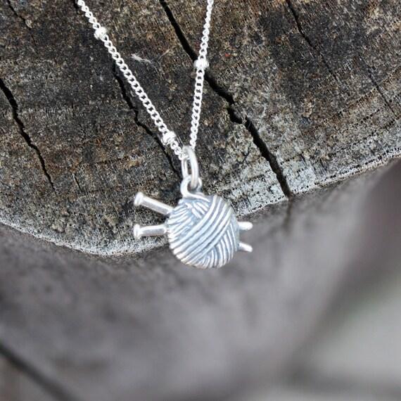Knitting Needle Gauge Necklace : Items similar to knitting necklace ball of yarn