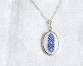 Hand embroidered necklace melange blue - n001