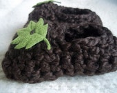 SALE Cotton Green Leaf Crochet Baby Booties FREE SHIPPING