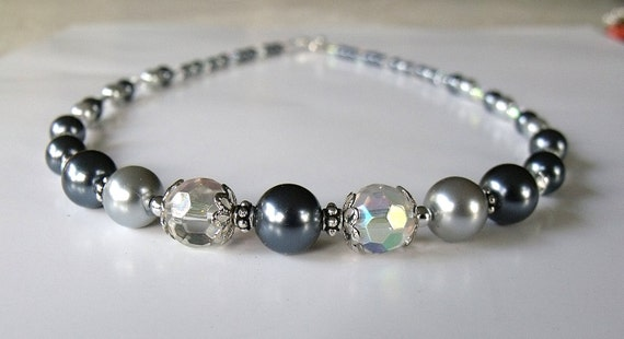 RESERVED FOR PAIGE Vintage Inspired Light and Dark Gray Pearl Necklace - Elegant Classic Style
