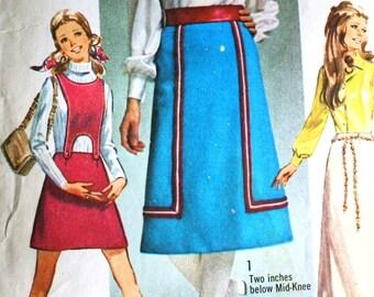 Vintage 1970 Retro Mini Midi Maxi Skirt Three Lengths and Detachable Bib Sewing Pattern Simplicity