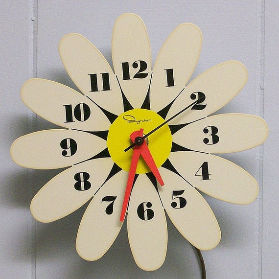 Ingraham Daisy Electric Wall Clock