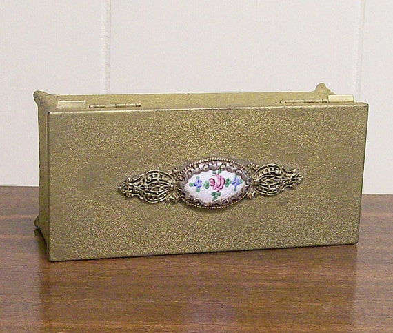 Vintage Musical Jewelry Box Gold Tone Metal