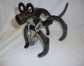 HORSESHOE DOG
