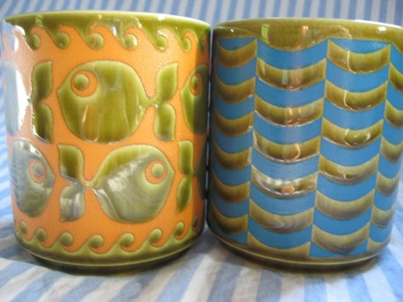 Vintage Pair of John CLAPPiSON1960s HORNSEA Coffee Mugs FISH and WAVES on green
