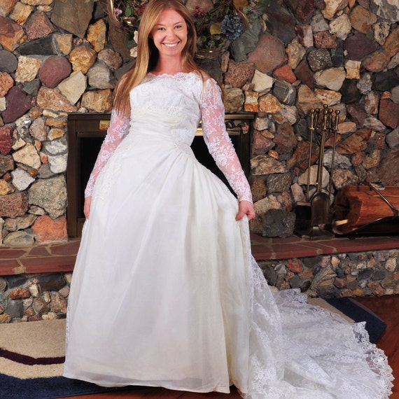 Items Similar To Vintage Ivory Alfred Angelo Wedding Dress