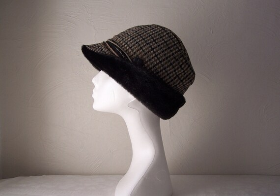 wool houndstooth check hat with black faux fur trim 1960s