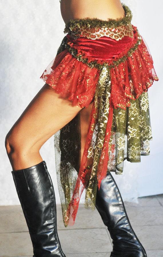 Gypsy Bustle Belt in Velvet and Lace