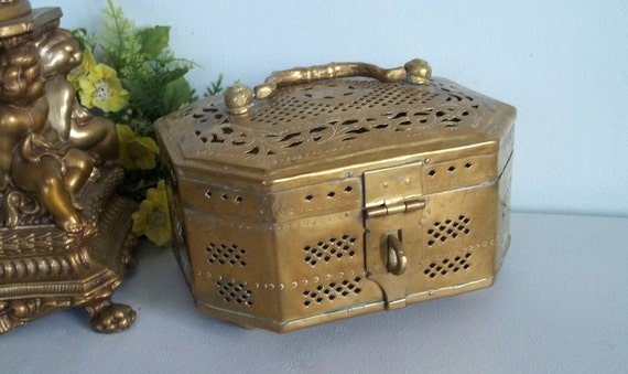 Gorgeous vintage pierced metal brass cricket box made in India