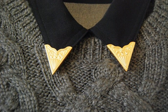 LAST Pair - Detachable Collar Tips in Golden Tone -  Embossed Front / Screwing Back