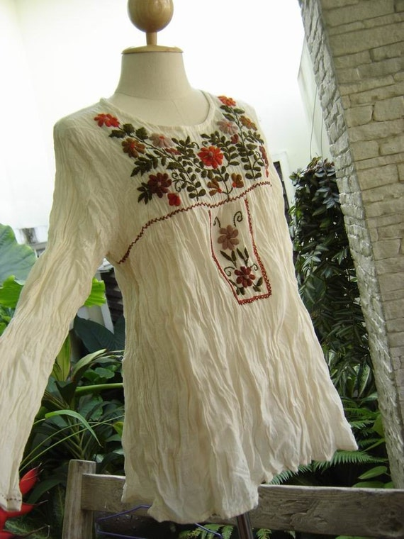 Long Sleeves Bohemian Embroidered Top in IVORY