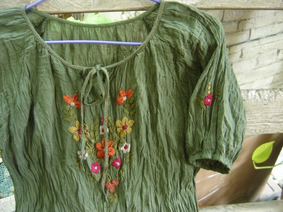 Short Sleeves Bohemian Embroidered Top - Olive Green