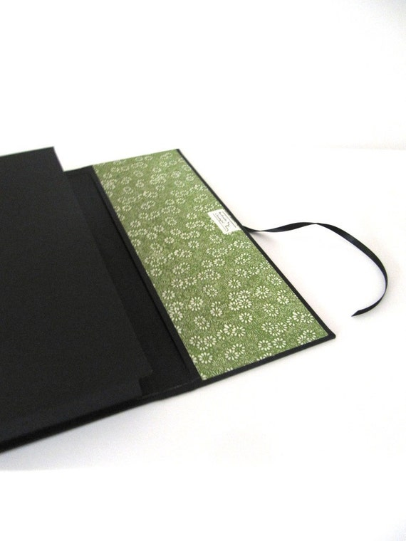 portfolio A4 - black with lichen green paper