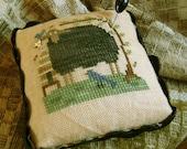 Blackie Pin Cushion~Cross Stitch Pattern