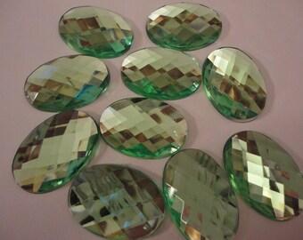 Light emerald green faceted oval acrylic rhinestone decoden deco diy   10 pcs  USA seller