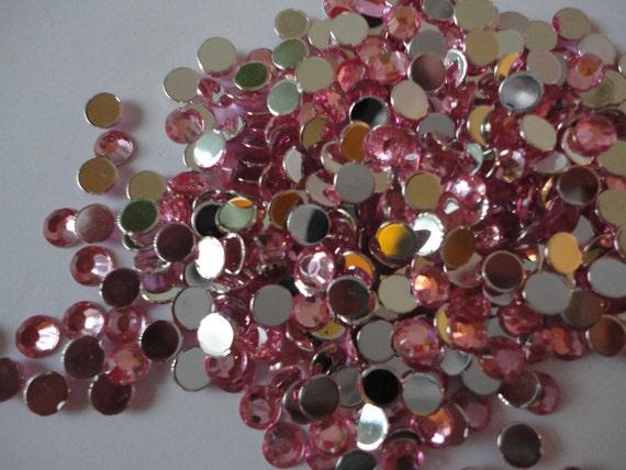 Pink round acrylic rhinestones   5 mm    100 pcs