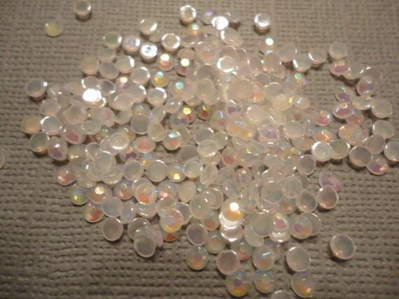 White acrylic rhinestone decoden deco diy  3 mm    more than 100 pcs     USA seller
