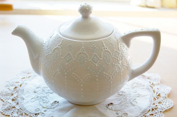 Victorian blue teapot handpainted with lace dotting