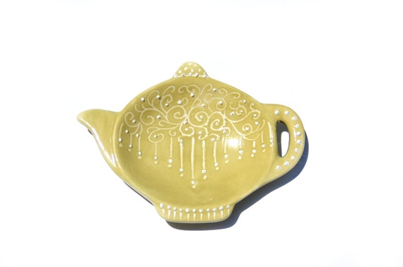Avocado green teapot tea dish