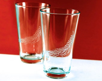 2 Feather Etched Pint Glasses