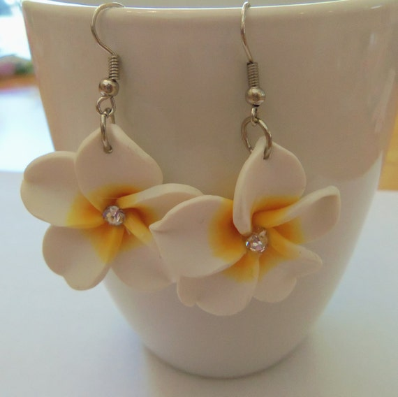 Pretty white and yellow flower earrings