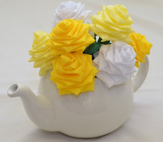 Paper Flower Bouquet - 9 Short-stem Yellow and White