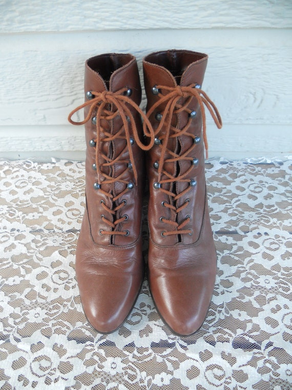 Vintage Brown Leather Lace Up Granny Boots / Ropers