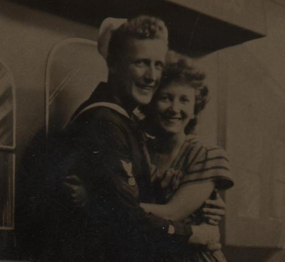 Photo Happy Sailor and His Bride Honeymoon Limited Vintage Beautiful Couple