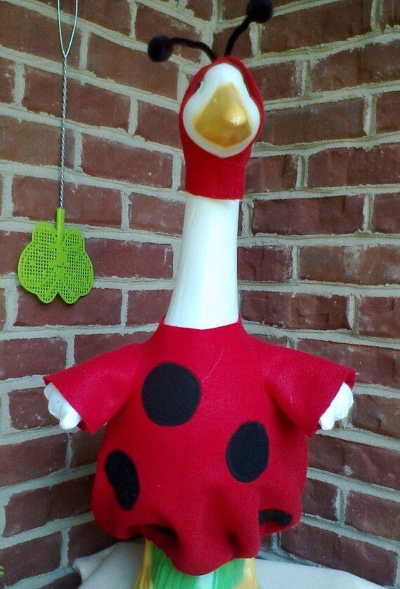 Goose clothes - Ladybug - Red and Black felt - Plastic or Cement Lawn Goose Clothing