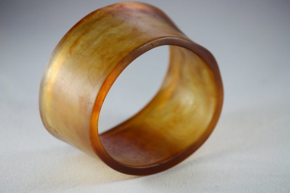 Resin Cuff Style Bangle in Honey Brown